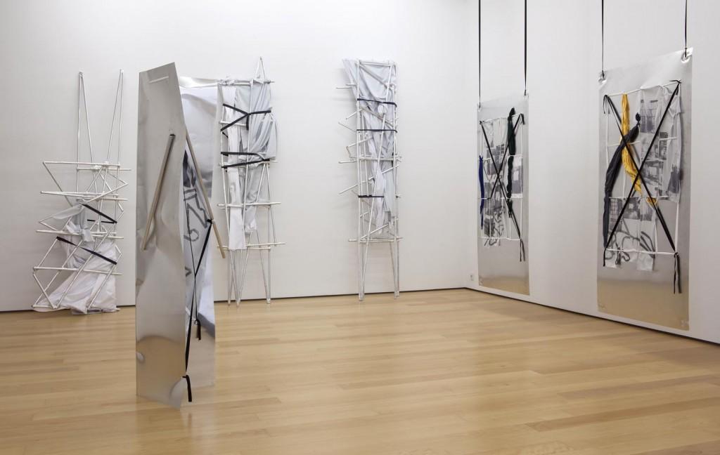 Yorgos Sapountzis, Athens Screens, 2014_installation view_d